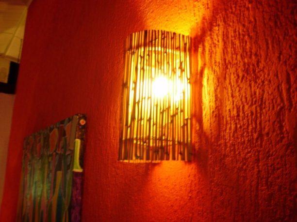 decoracao-com-lampadas-e-luminarias-feitas-com-bambu-5