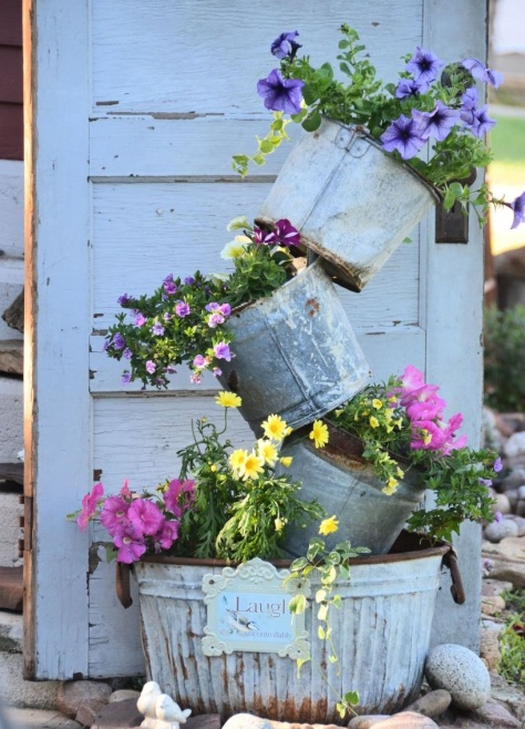 how_to_achieve_the_perfect_rustic_garden_decor