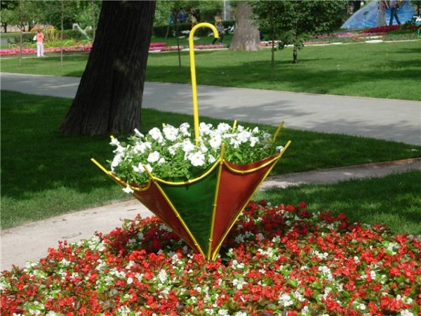 umbrella-garden-ideas-9