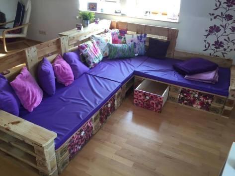 diy-pallet-corner-sofa