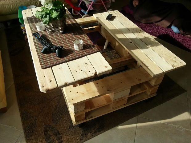 Como construir uma mesa de café a partir de 2 paletes!