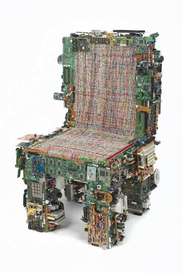 sofa-cadeira-pecas-pc-recicladas-_3